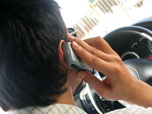 cell-phone-driving_small